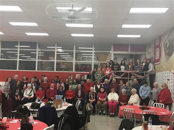 Key Club Hosts Community Members Prior to the Winter Concert