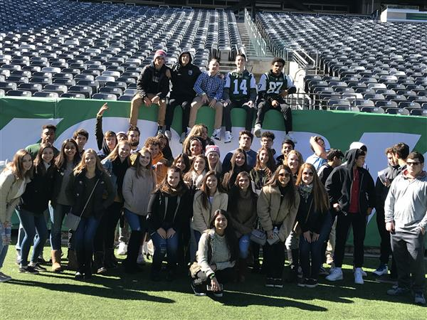 FBLA Club attend Jets Business Day
